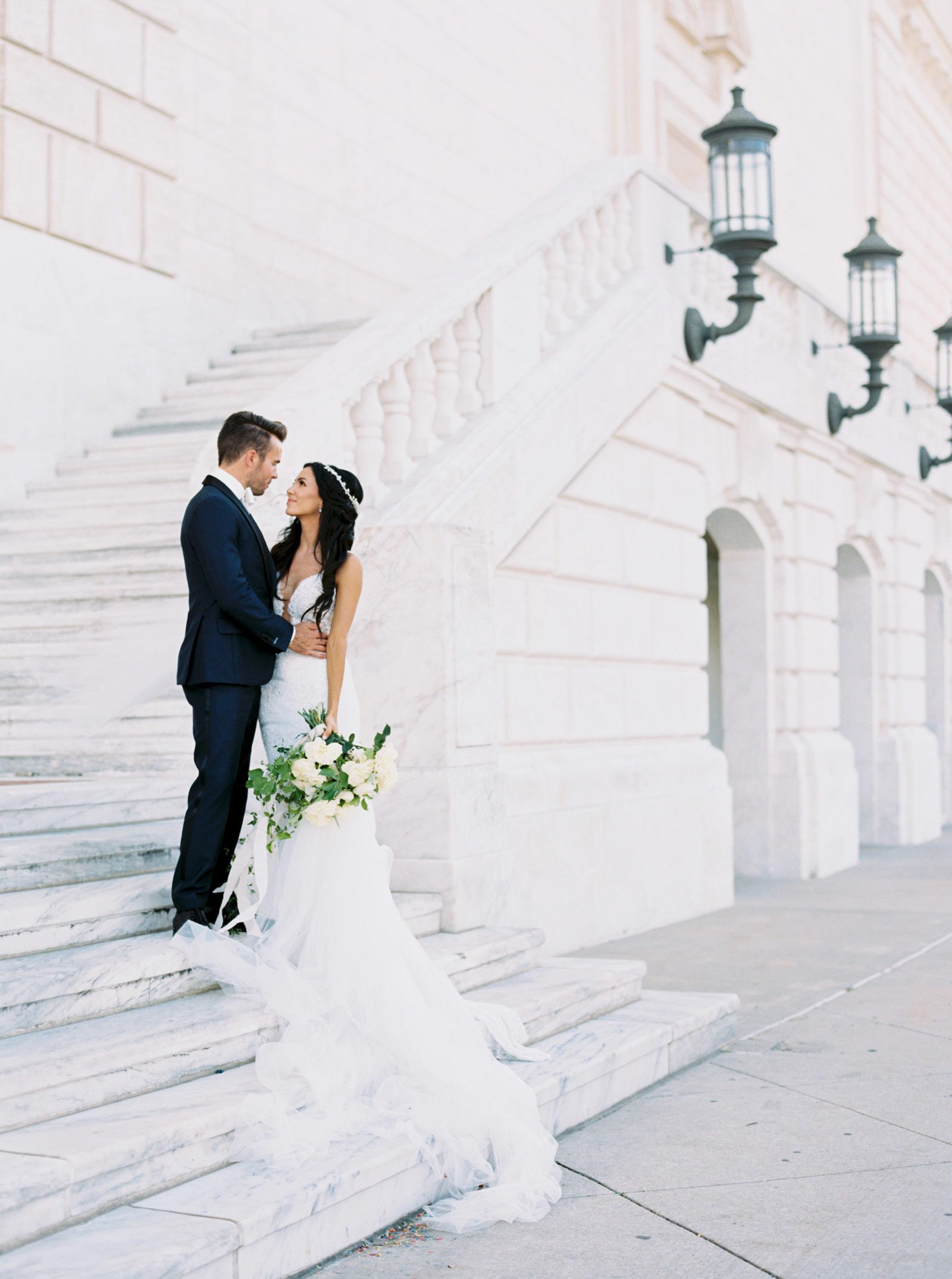Wedding photos at the Detroit institute of arts